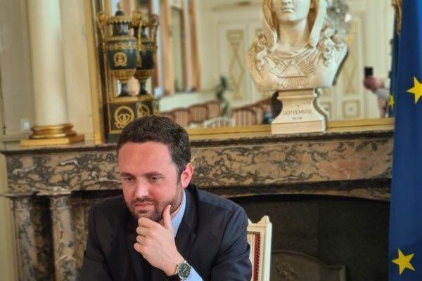 Valentin Belleval en visioconférence avec Emmanuel Macron, mardi 27 avril 2021.