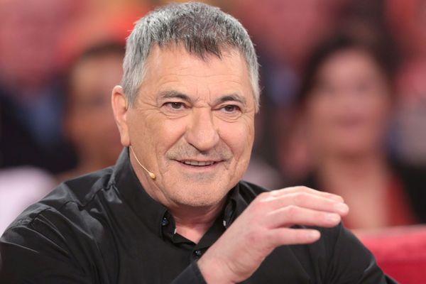 Jean Marie Bigard sur le plateau de Vivement Dimanche en février 2016