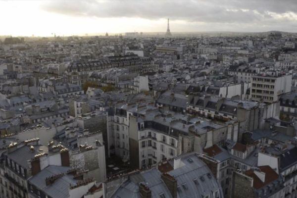 Les couvreurs zingueurs sont 1 500 tous les jours sur les jours sur les toits de Paris