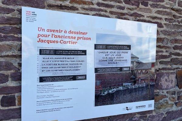 """Des affiches signées par l'Envolée une association qui se veut un porte-voix """"pour les prisonniers et prisonnières qui luttent contre le sort qui leur est fait"""""""