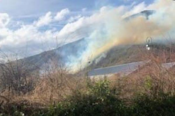 Violent incendie de forêt en cours à Valdeblore.