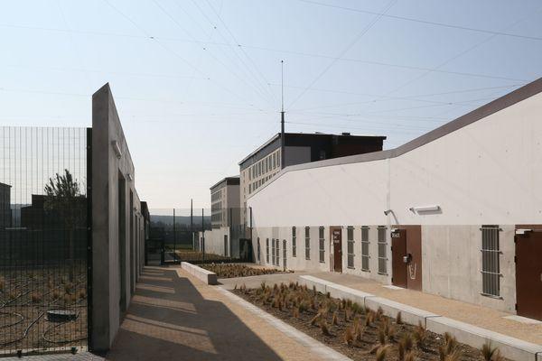 Depuis l'ouverture d'Aix-Luynes 2 la prison compte environ 1500 détenus.