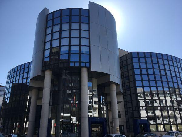 Le bâtiment Pierre Pflimlin du PE de Strasbourg, va probablement accueillir un centre de dépistage Covid 19