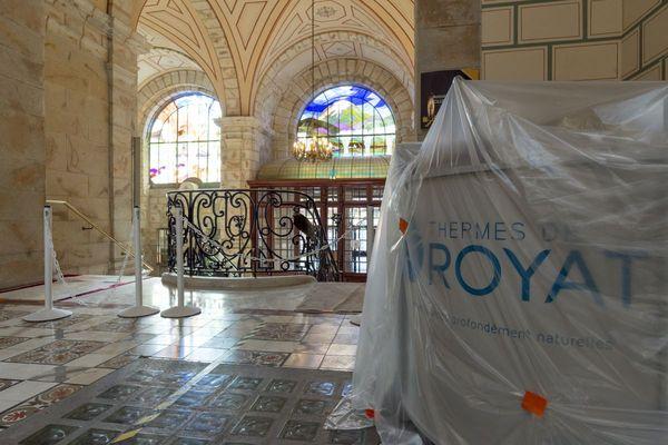 Depuis 6 mois, les bâtiments des thermes de Royat sont désertés et attendent le retour des curistes.