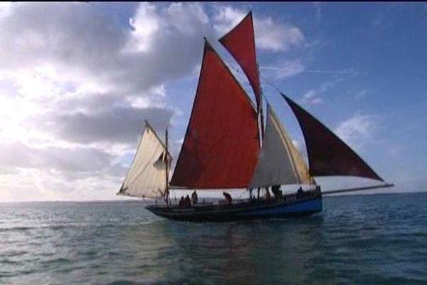 Le Marie-Madeleine est un bautier, un ancien navire conçu pour pêcher avec des lignes.