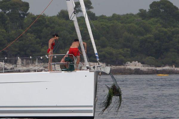 Les ancres des bateaux de plaisance arrachent les posidonies et détruisent les herbiers.