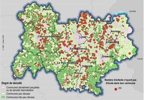 Nombre d'enfants n'ayant pas accès à l'école publique tous niveaux dans leur commune selon le degré de densité
