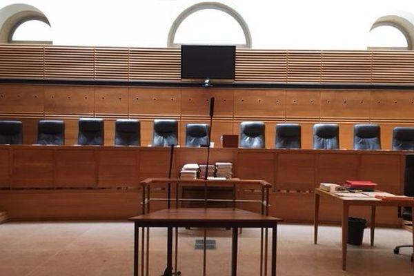 Le procès s'ouvre cet après-midi à la cour d'assises d'Aix-en-Provence.