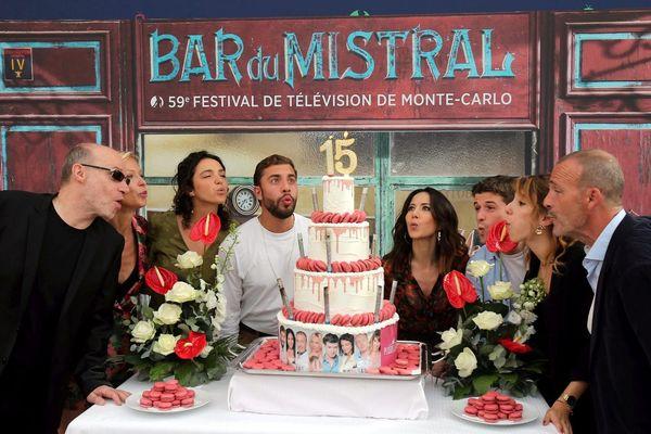 Les acteurs fêtent les 15 ans de la série lors du 59e Festival de télévision de Monte-Carlo
