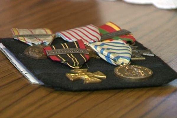 Raymond Fredonnet décoré à Bellac Chevalier de l'Ordre National du Mérite