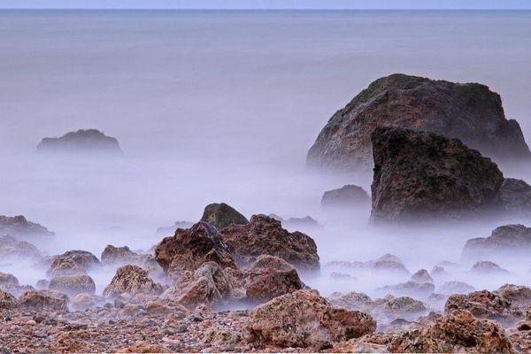 Du vent et des embruns à Blonville-sur-Mer, dans le Calvados.