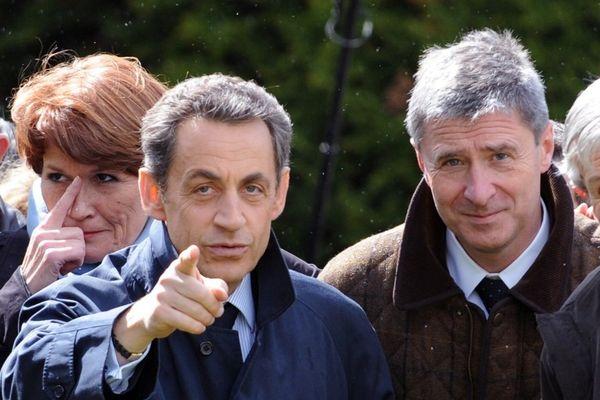 Nicolas Sarkozy et Philippe Briand pendant la campagne présidentielle 2012 à Vouvray (Indre-et-Loire)
