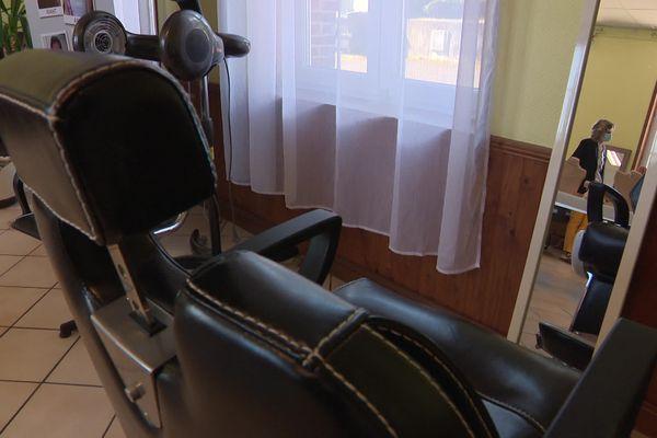 Christelle a pu installer la majorité de son matériel dans ce salon éphémère.