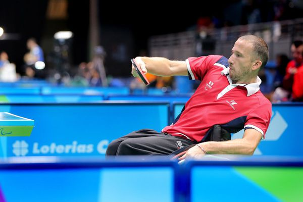 Nicolas Savant-Aira, 40 ans, para tennis de table classe 5