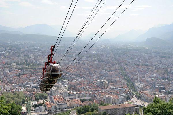Le téléphérique Grenoble-Bastille va rouvrir aux visiteurs ce jeudi.