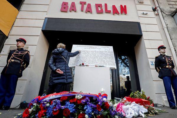 Un homme a été rendu notamment devant le Bataclan, un des lieux des attaques du 13 novembre 2015.