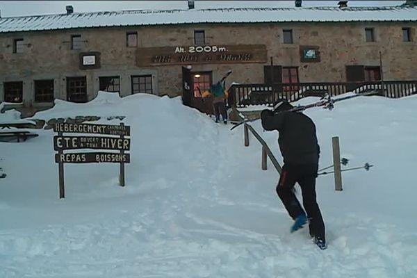 Dernier effort avant l'arrivée au refuge des Bouillouses, l'un des rares refuges des Pyrénées à accueillir du public en hiver.