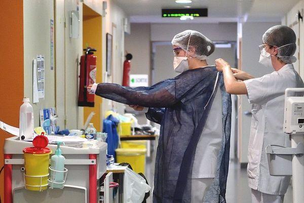 Comme beaucoup d'autres hôpitaux, le centre hospitalier d'Aurillac a reçu des patients atteints de coronavirus COVID 19.