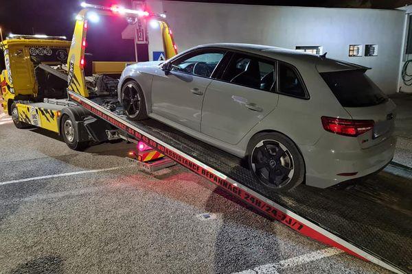 A bord de cette Audi RS3, il y avait deux jeunes hommes d'une vingtaine d'années.