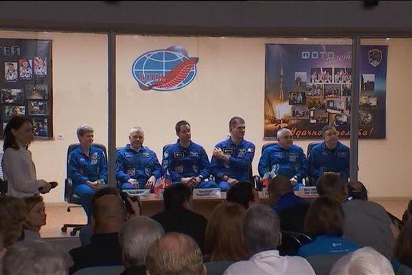 Thomas Pesquet et l'équipage de Soyouz ont donné aujourd'hui leur dernière conférence de presse avant le décollage