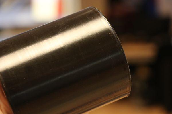 Pas facile de distinguer les sillons gravés sur ce cylindre.