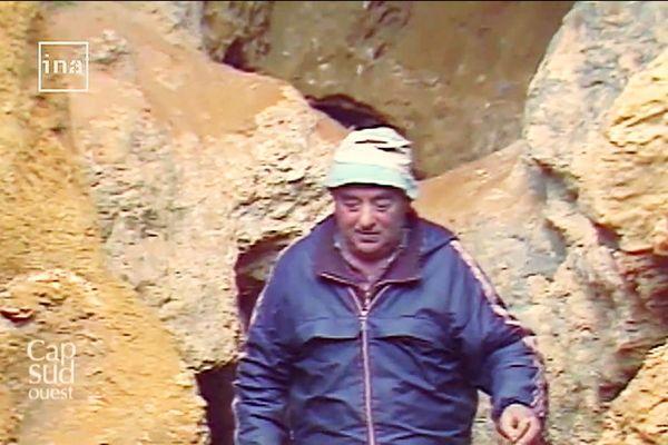 Roger Constant, l'agriculteur, consacrera 40 ans de sa vie à fouiller les sites sur sa propriété