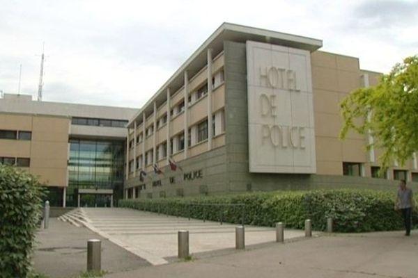 Montpellier - l'Hôtel de police - archives