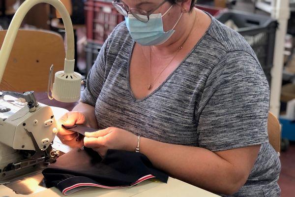 Pour la première fois de son histoire, l'usine Chantelle d'Epernay fabrique des sous-vêtements pour hommes pour la marque externe : Le Slip Français.