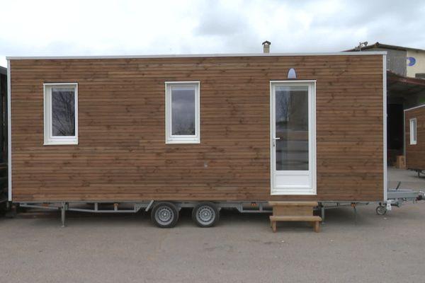 """Une """"Tiny House"""" ou micro-maison de 16 m2, fabriquée par une entreprise de Vendargues près de Montpellier."""