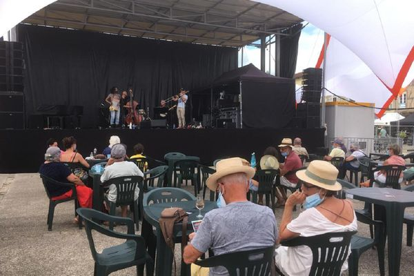 """Le groupe """"Crawfish Wallet"""" a ouvert les festivités de """"Jazz in Marciac"""" dans le Gers, ce samedi après-midi 24 juillet, pour la 1ère journée du festival."""