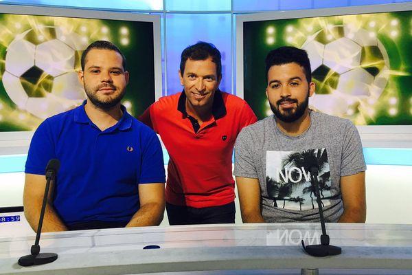 Anthony Brulez entouré des 2 invités du jour qui ont débriefé la rencontre Dijon-FC Nantes. #DGCOFCN