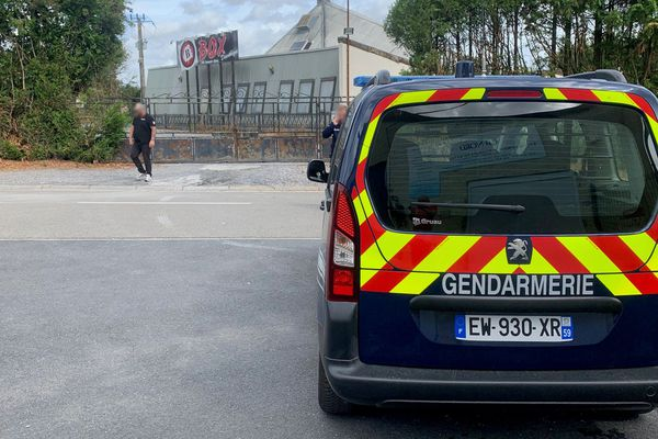 La gendarmerie se trouvait toujours sur place ce samedi matin.