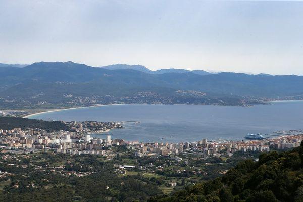 ILLUSTRATION - Une vue de la ville d'Ajaccio depuis le château de la Punta.