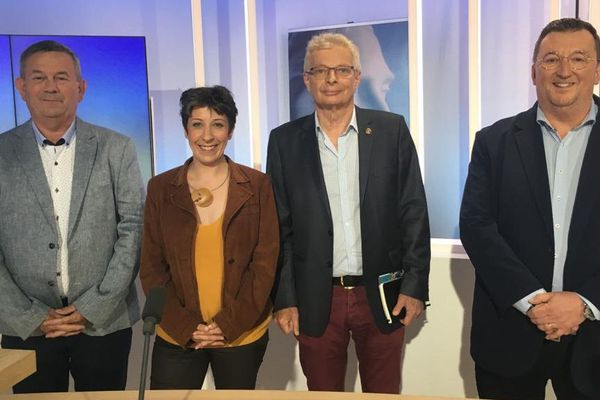 Les candidats à l'élection municipale d'Ambert : Michel Beaulaton, Véronique Faucher, Guy Gorbinet et Philippe Pinton.