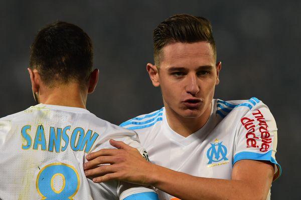 Morgan Sanson et Florian Thauvin sous les couleurs de leur club, l'Olympique de Marseille