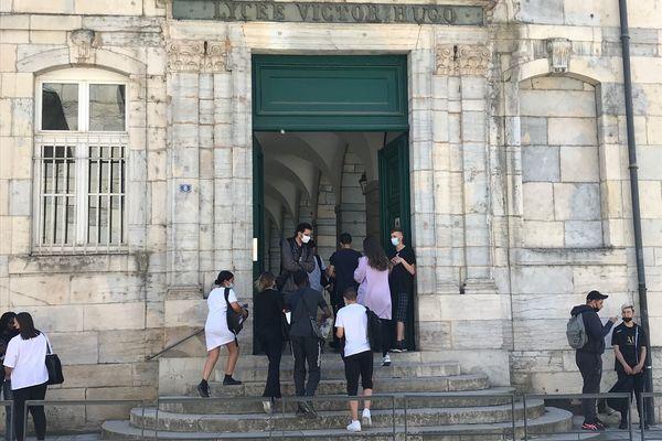 Au collège Victor-Hugo à Besançon, les jeunes ne sont pas tous convaincus par la vaccination contre le covid-19