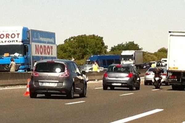 3 kilomètres de ralentissements sont signalés sur l'A10, entre Blois et Tours.