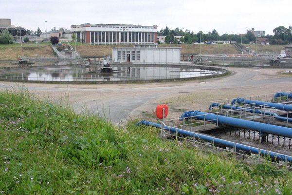 Station d'épuration d'Achères (Yvelines), en 2004.