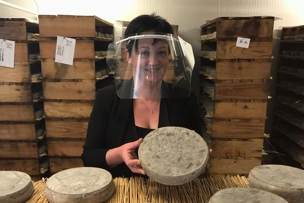 Face à la crise causée par la pandémie, les producteurs ont du imaginer de nouvelles façons de vendre leurs fromages