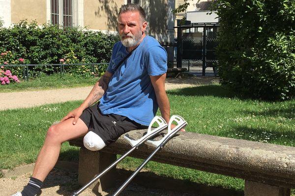 """""""Mon indemnité n'arrivera pas avant trois ou cinq ans, je ne peux pas attendre tout ce temps"""" explique-t-il Bertrand Le Goff"""