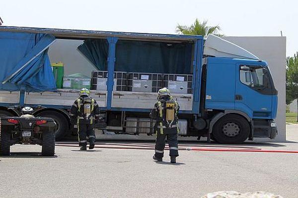 Gallargues-Le-Montueux (Gard) - les pompiers du SDIS 30 interviennent sur l'émanation d'un nuage toxique dans une résidence hôtelière - 6 juillet 2015.