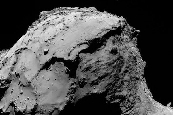 I Photographie prise par la sonde Rosetta à 15,5 kilomètres de la comète Tchouri sur laquelle elle s'est écrasée ce vendredi 30 septembre.