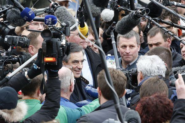 François Fillon en visite à Liart , en Ardenne, le 2 février 2017.