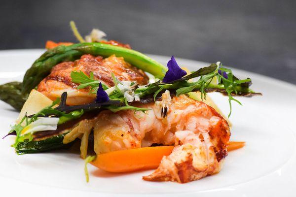 Autodidacte de la grande cuisine, Mathieu Aumont a décroché une étoile en 2005. Le chef apporte un soin particulier au travail des produits de la mer