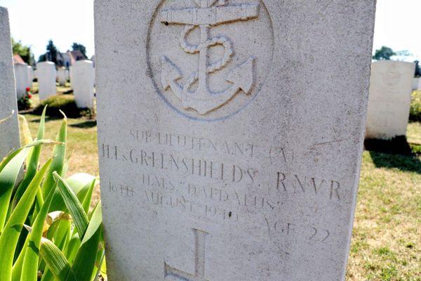 La tombe d'Henry Greenshields au cimetière de Calais Sud.