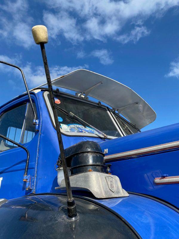 Un des camions Berliet de la collection de camions de Christian Louvet lors d'une exposition sur le champ de foire d'Elbeuf les 12 et 13 juin 2021.