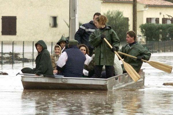 Inondations à Hyères, en 1999 après la montée des eaux de la rivière Gapeau.