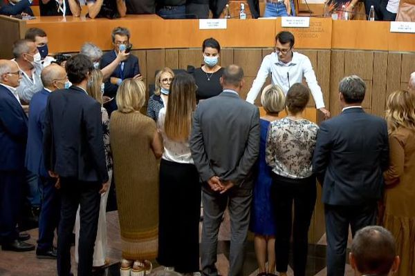 Les élus prêtent serment sur la Giustificazione.