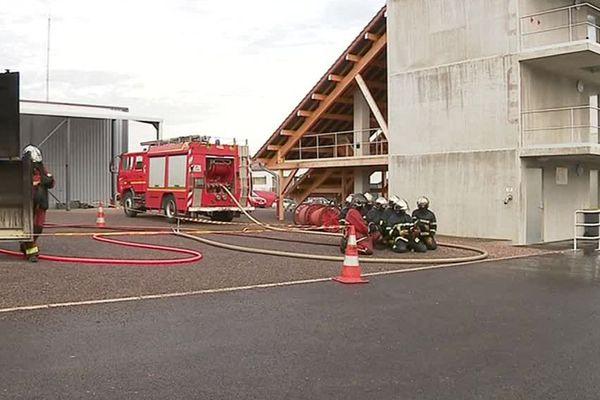 Le groupement technique des pompiers de Vesoul permet aux hommes du feu de s'entraîner dans des conditions réelles.