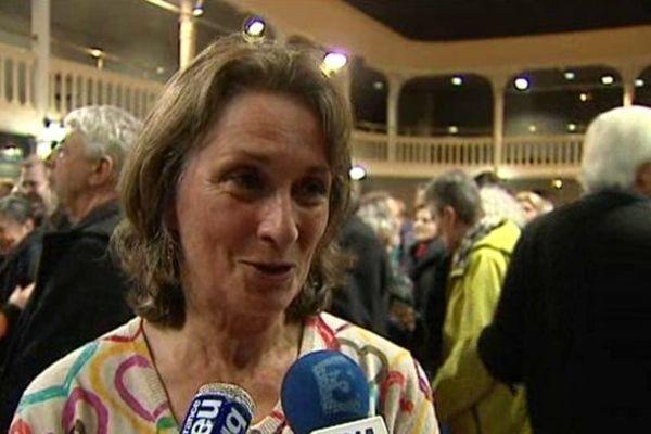 A Saint-Jean d'Angély, Françoise Mesnard l'a emporté avec plus de quatre points d'avance face au maire sortant divers droite.